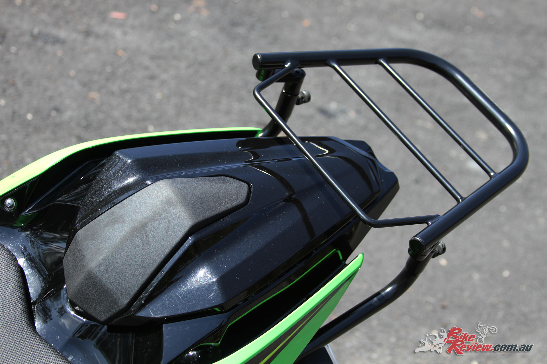 The Ventura EVO Rack and Kawasaki Seat Cowl are a great sporty combo